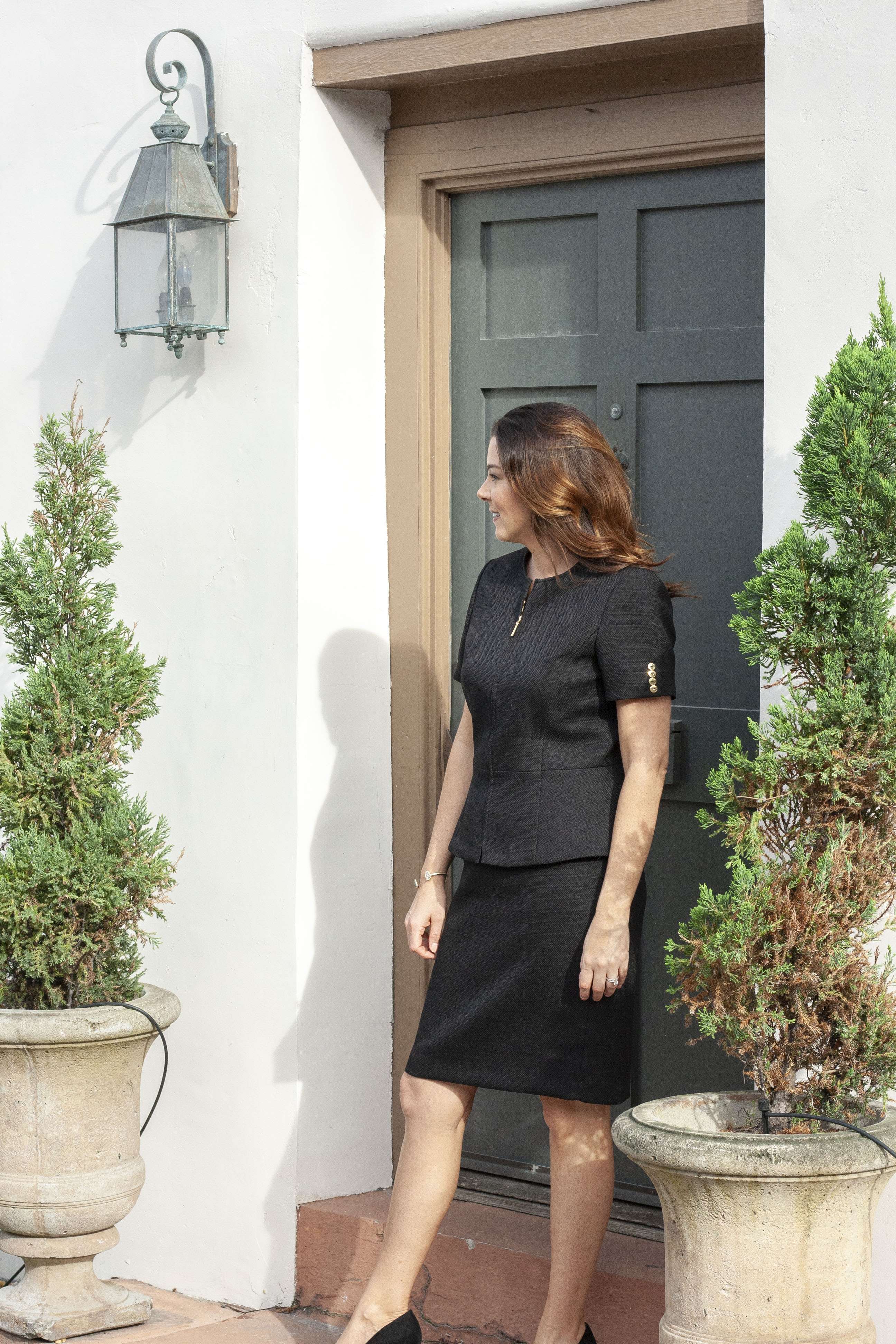 black short sleeve suit, Tahari ASL, Business Professional, Lawyer Style, Attorney Fashion
